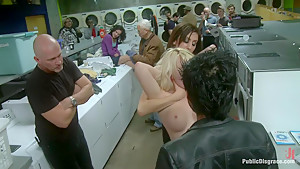 Missy Woods Goes to the Laundromat