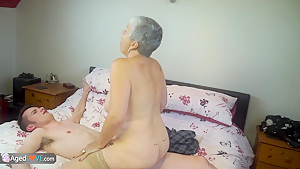 Granny Savana fucked with really hard big stick