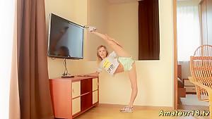 skinny flexible teen masturbation