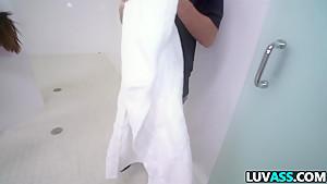 Stunning ass babe Kelsi Monroe