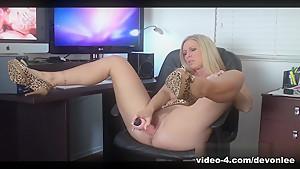 Fabulous pornstar Devon Lee in Hottest Big Ass, Blonde adult video