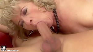 Mature whore Margarette fucks wildly the last time in her life