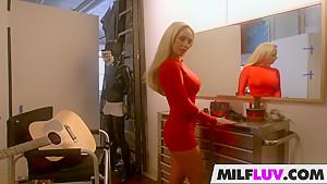 Romancing blonde MILF Olivia Fox