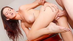 Kendall Karson & Jordan Ash in Naughty America