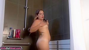 Amateur pussy showering