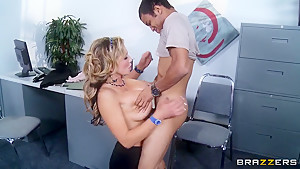 No man has ever filled Nikki Sexx like Wrexxx Kidneys