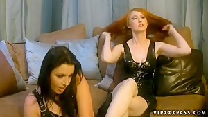 Anastasia Pierce and Kendra James pleasing each other with feet