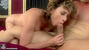 Mature slut Judyt jumping up and down on her boyfriend's dick and passionately moaning from great fuck pleasure.
