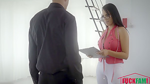 Katrina Moreno in Midame La Pinga