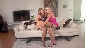 Carlie Banks and Valentina Vaughn